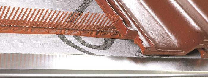 Okapní větrací mřížky - střecha