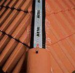 Hliníkový větrací pás hřebene Metalroll