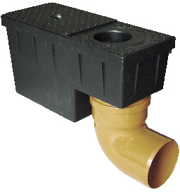 Lapač splavenin s vodní klapkou